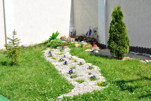 Сад в Гостевой дом Уютный уголок