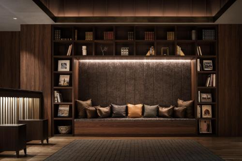 A seating area at Nest Hotel Tokyo Hanzomon