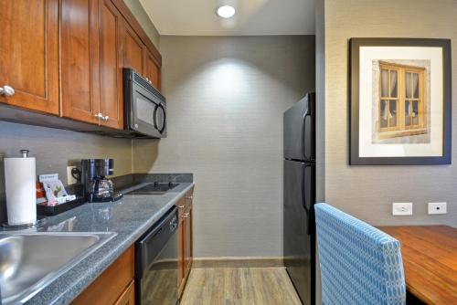 A kitchen or kitchenette at Homewood Suites by Hilton Wilmington/Mayfaire, NC
