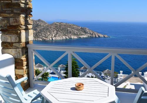 A balcony or terrace at Hotel Katerina