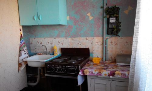 Кухня или мини-кухня в Santa Barbara