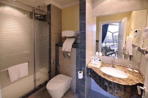 Um banheiro em Mira Trio Hotel - Riyadh - Tahlia Street