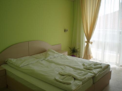 Легло или легла в стая в Niki