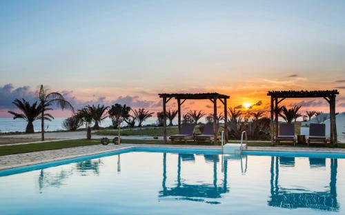 Piscina di Kymata Bohemian Beach Resort o nelle vicinanze