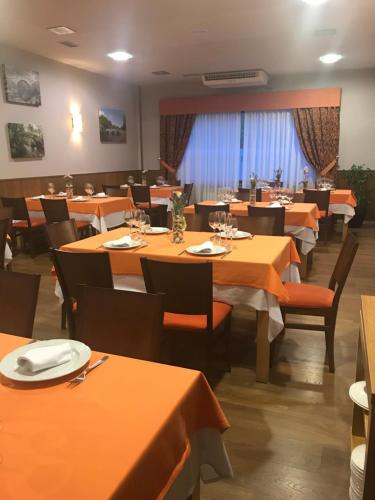 A restaurant or other place to eat at O Rueiro