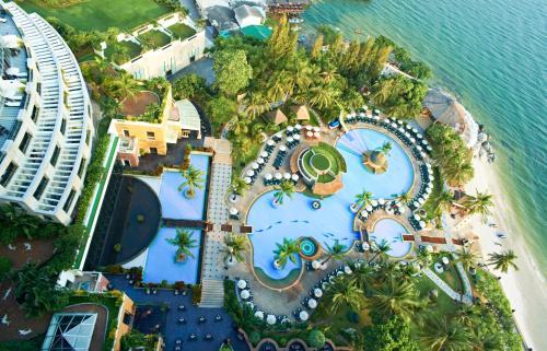 Uma vista aérea de Hilton Hua Hin Resort & Spa - SHA Certified