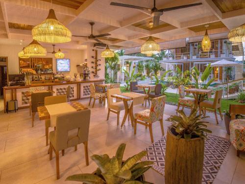 Un restaurante o sitio para comer en Umami Hotel - Adults Only