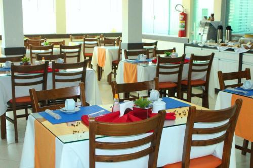 A restaurant or other place to eat at Pousada Maré dos Sonhos