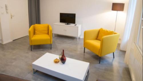 A seating area at Bel appartement au coeur du centre historique