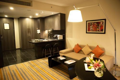 A seating area at Novotel Kolkata Hotel and Residences