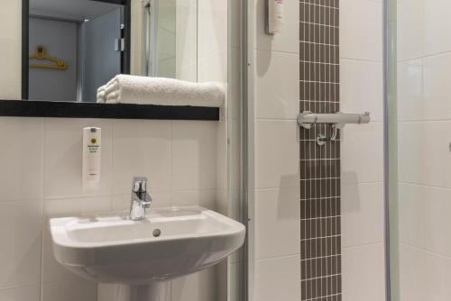 A bathroom at Point A Hotel London Kings Cross – St Pancras