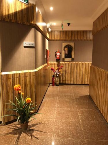 O saguão ou recepção de Tulip Jazan