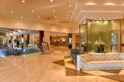 The lobby or reception area at Narita Tobu Hotel Airport