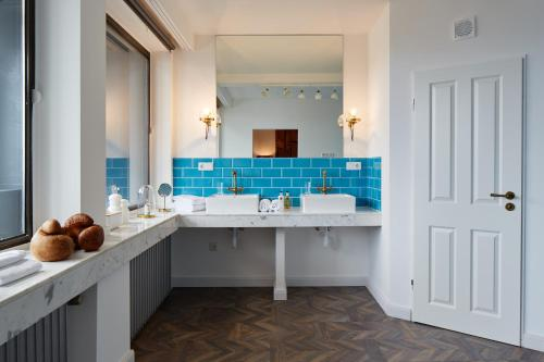 Ein Badezimmer in der Unterkunft hotel friends Düsseldorf Downtown