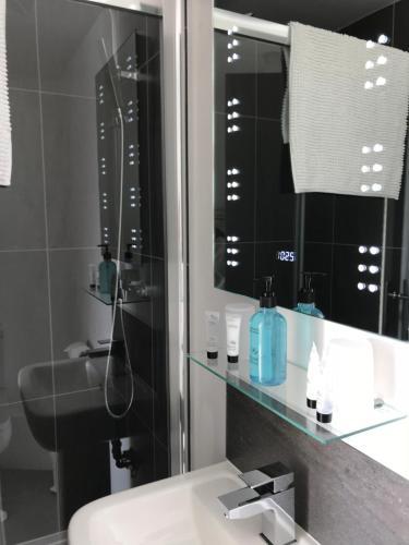 A bathroom at Palma Guest House