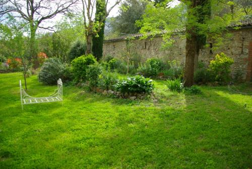 A garden outside Château de Peyralade