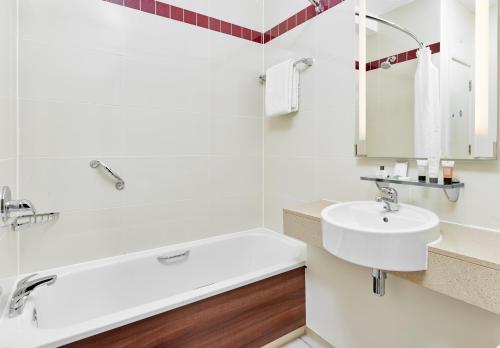 A bathroom at Jurys Inn Swindon