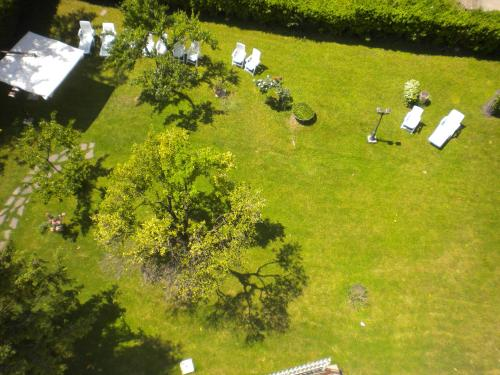 A view of the garden at Park Hotel Dei Massimi or nearby