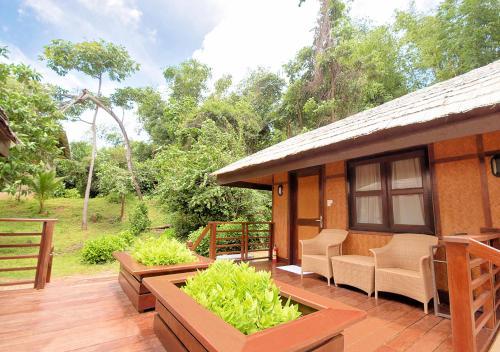 The swimming pool at or close to Club Paradise Resort Palawan