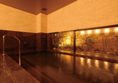 京都四條堀川 AB 飯店游泳池或附近泳池
