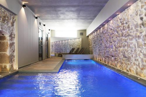 The swimming pool at or near Best Western Plus Hôtel La Joliette