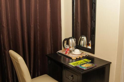 Coffee and tea-making facilities at Streets of Gold Guest House
