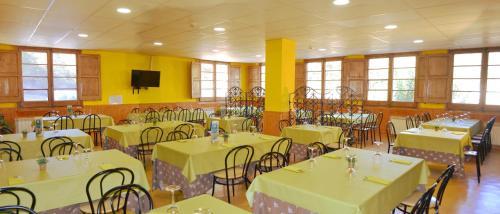 Un restaurante o sitio para comer en Casa Somsomnis