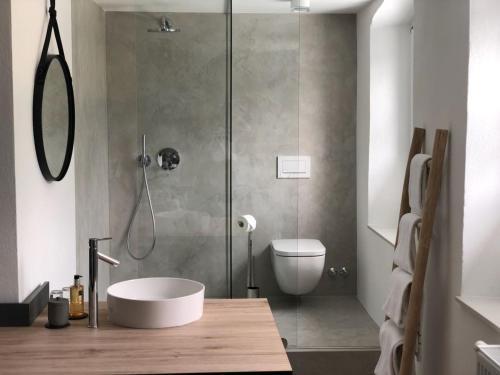 Ein Badezimmer in der Unterkunft Weinhaus Fries