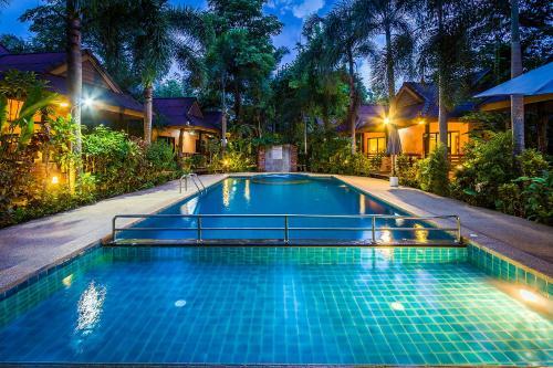 The swimming pool at or close to Sunda Resort
