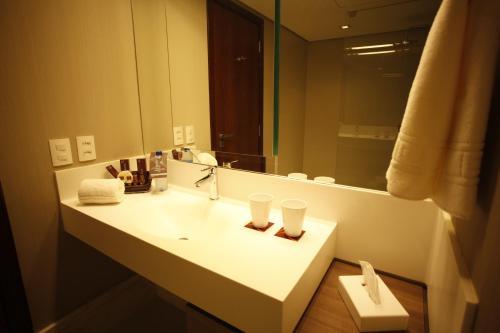 A bathroom at Wish Hotel da Bahia