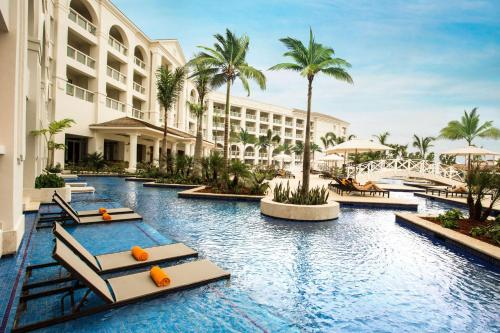 The swimming pool at or close to Hyatt Zilara Rose Hall Adults Only - All Inclusive