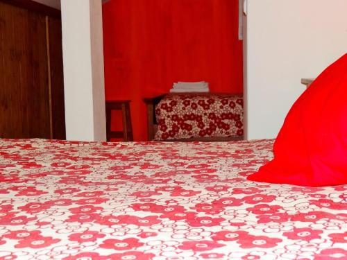 A bed or beds in a room at Casazul Milfontes