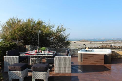 Een restaurant of ander eetgelegenheid bij Le Prat - Santec