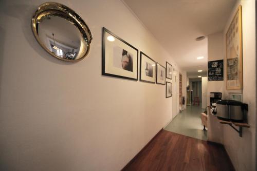 The lobby or reception area at Dopa Hostel