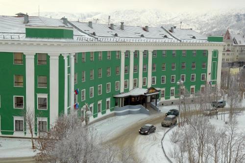Гостиница Северная зимой