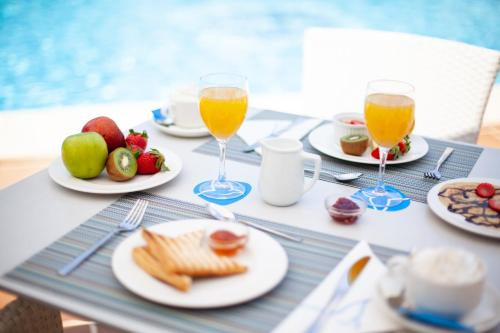 Breakfast options available to guests at Grupotel Ibiza Beach Resort - Adults Only