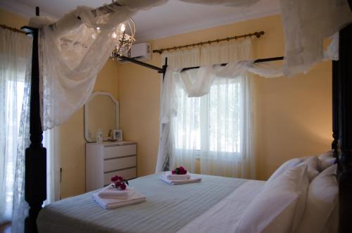 A bed or beds in a room at Lush Holiday Home