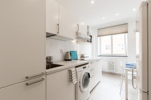 Küche/Küchenzeile in der Unterkunft Quiet And Cosy Family Apartment
