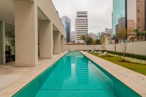 A piscina localizada em VN Gomes de Carvalho ou nos arredores