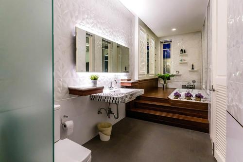 A bathroom at The Sea-Cret Garden Hua Hin