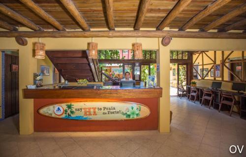 O lounge ou bar de Praia do Forte Hostel