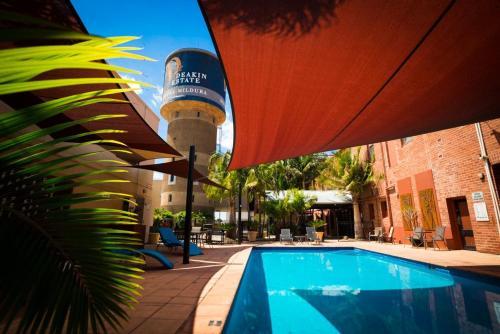 The swimming pool at or near Mercure Hotel Mildura