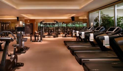 The fitness center and/or fitness facilities at Hotel Fort Canning