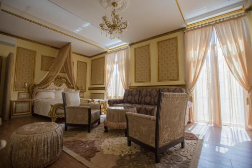 A seating area at Robevski luxury rooms