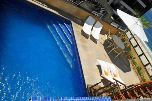 A view of the pool at Oceano Copacabana Hotel or nearby