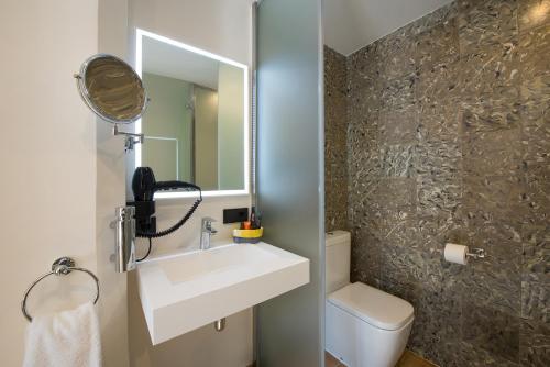 Salle de bains dans l'établissement My Rooms Central Maria