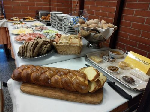 Breakfast options available to guests at Europalace Hotel