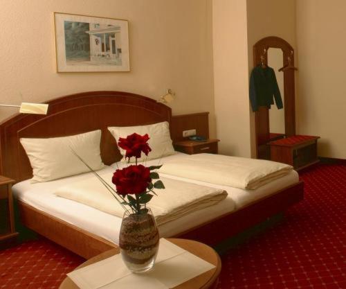 Letto o letti in una camera di Hotel Schweizer Hof - Superior