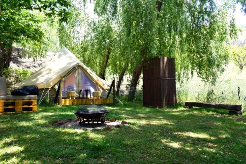 Jardín al aire libre en Camping Alpujarras