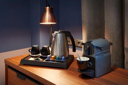 Coffee and tea making facilities at Hotel Lion D'Or